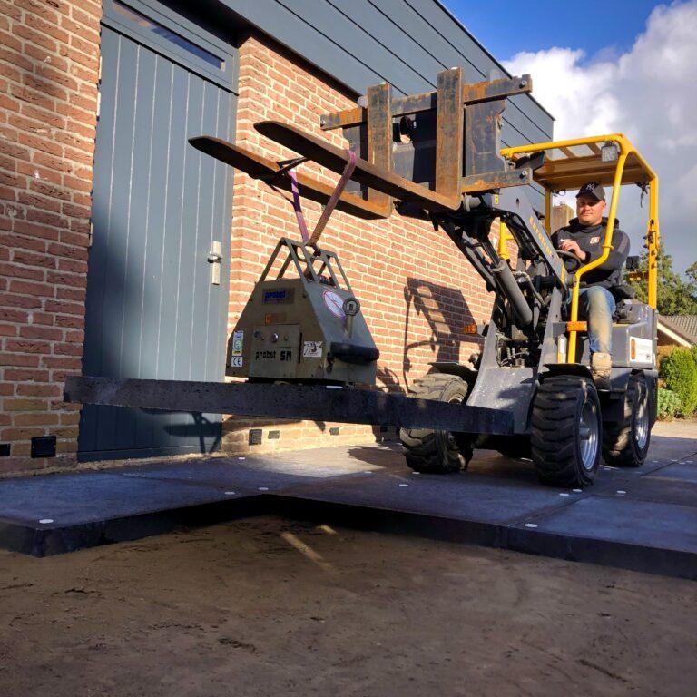 Direct bestrating   Schellevis tegels 100x100x8cm met Probst vacuum techniek