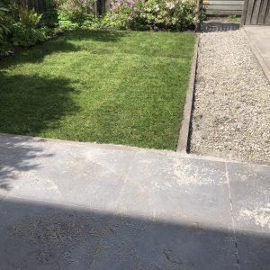 graszoden aanleggen door Direct bestrating
