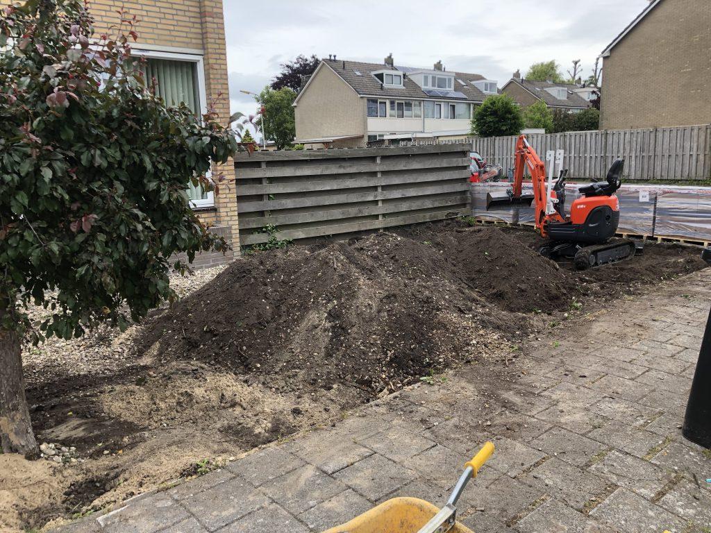 Uitgraven van voortuin in Wormer | Direct bestrating