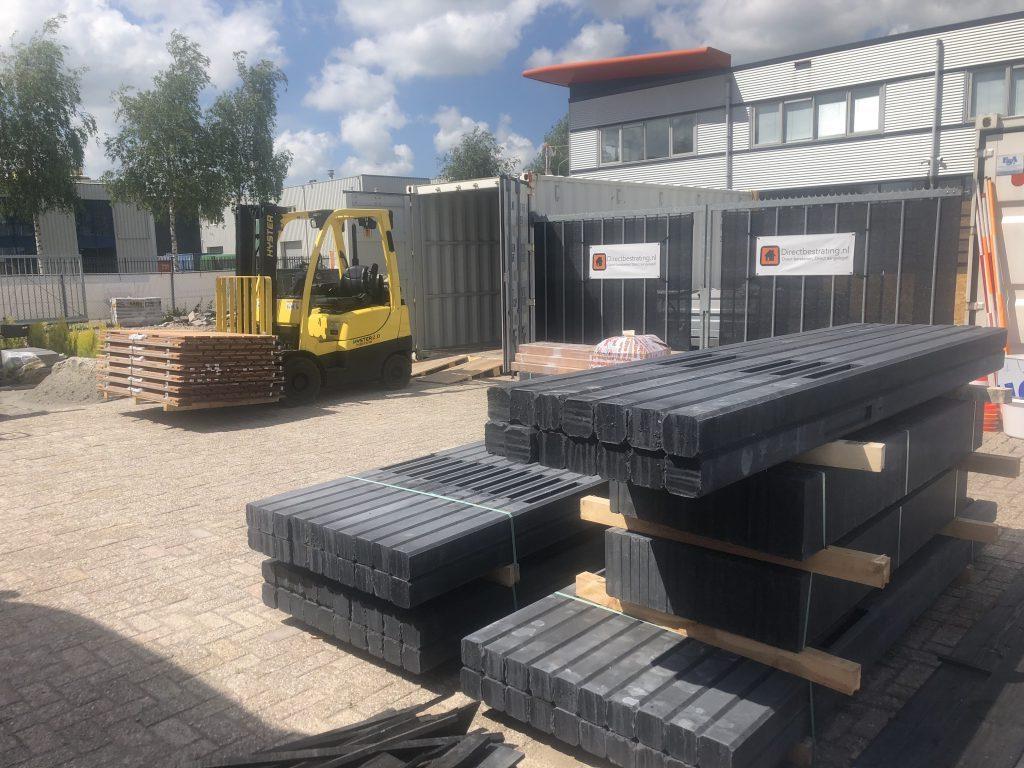 Alles op voorraad | Snel een hout beton schutting | Direct bestrating