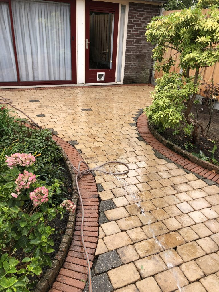 Tuin onderhoud bij Direct bestrating uit Wormer